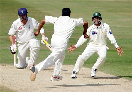 Kevin Pietersen is bowled out by Danish Kaneria