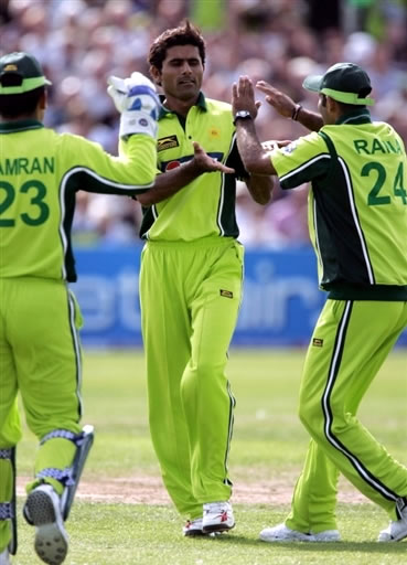 Abdul Razzaq celebrates the wicket of Reed