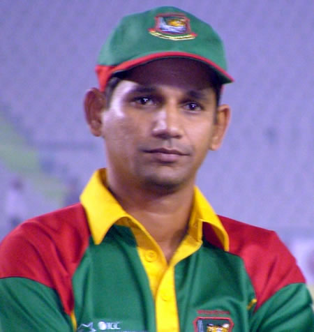 Habibul Bashar in the prize distribution ceremony