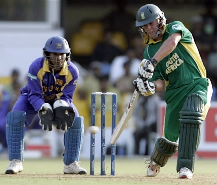 DeVilliers plays a shot
