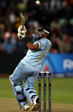 Robin Uthappa plays a pull shot
