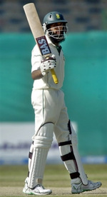 Hashim Amla celebrates his fifty