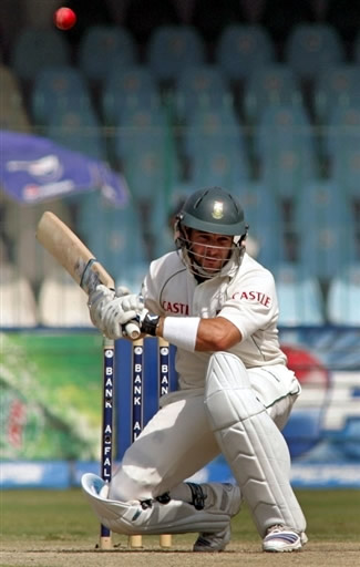 Mark Boucher avoids a bouncer