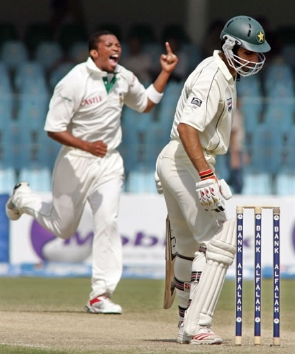 Makhaya Ntini celebrates the wicket of Misbah-ul-Haq