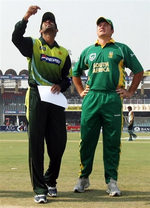 Graeme Smith & Shoaib Malik toss for the first ODI