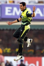 Umar Gul celebrates the wicket of Sachin