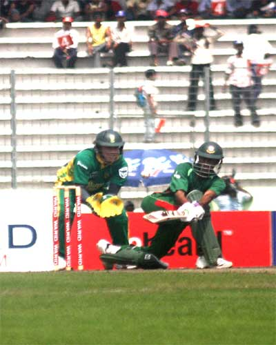 Shakib Al Hasan drives the ball aganist South Africa
