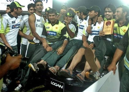 Pakistan team celebrate after winning Kitply Cup final