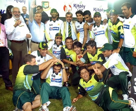 Pakistan team & officials group photo