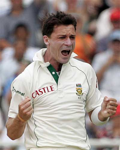 Dale Steyn celebrates taking the wicket of Daren Ganga