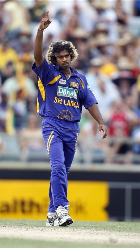 Lasith Malinga reacts after taking the wicket of Brad Hogg