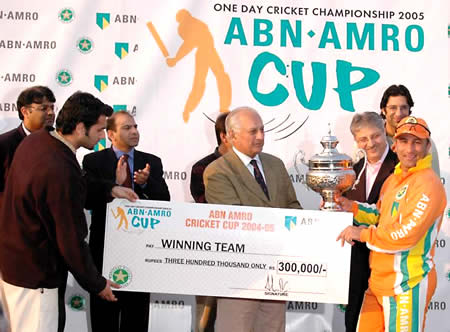 Lahore Lions skipper Humayun Farhat receiving the winning prizes