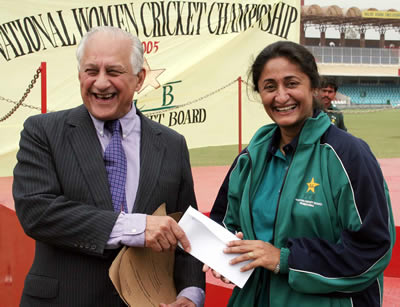 Shamsa Hashmi Woman of the match with 7 wickets