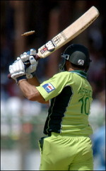 A bail flies over Shahid Afridi
