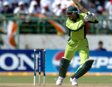 Abdul Razzaq square drives