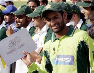 Shoaib Malik after winning the Man of the Match trophy