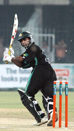 Mohammad Hafeez flicks