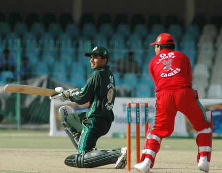 Naved Yasin batting