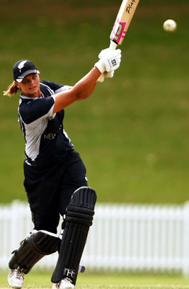 Suzie Bates superb ton against Pakistan takes New Zealand to ICC Women's World Cup final