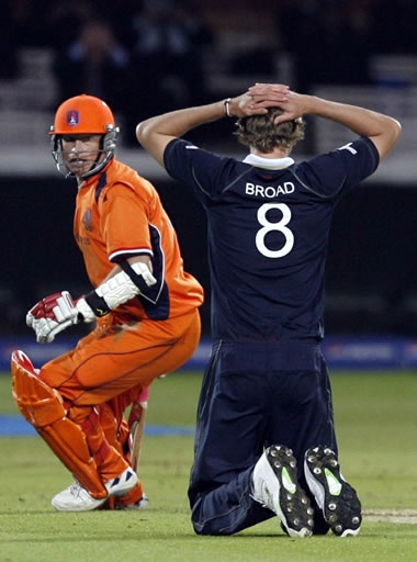 Stuart Broad reacts after missed a runout on last ball