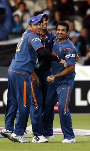 Zaheer celebrates the catch of Gayle