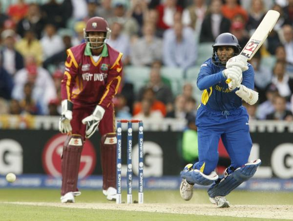 Dilshan gets a move on