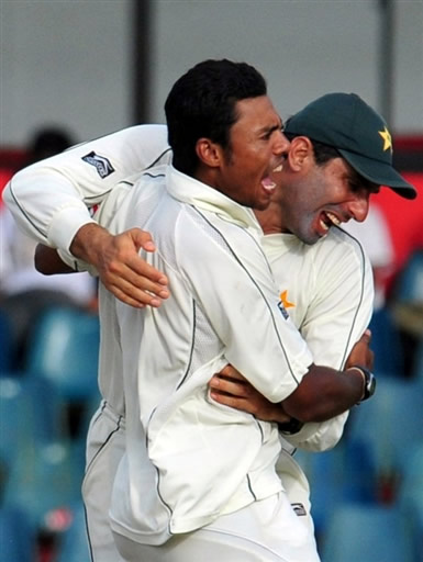 Kaneria celebrates the wicket of Jayawardene