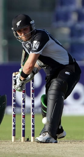 Brendon McCullum brilliant ton leads New Zealand victory over Pakistan