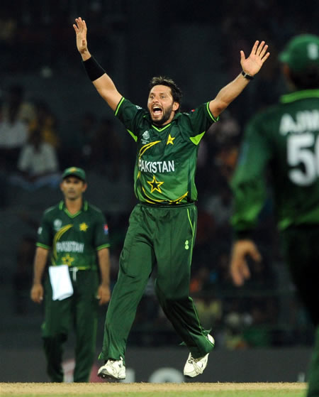Shahid Afridi 5-wkt haul helps Pakistan win over Canada