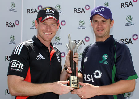 Eoin Morgan (England Captain) and William Porterfield (Ireland Captain) with the RSA Challenge Trophy