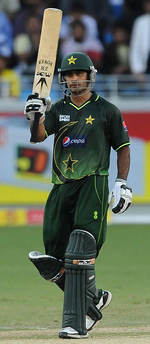 Mohammad Hafeez reaches his half-century