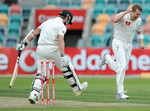 Peter Siddle claims Kane Williamson in the first over
