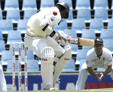Tharanga Paranavitana gets hit by a short ball