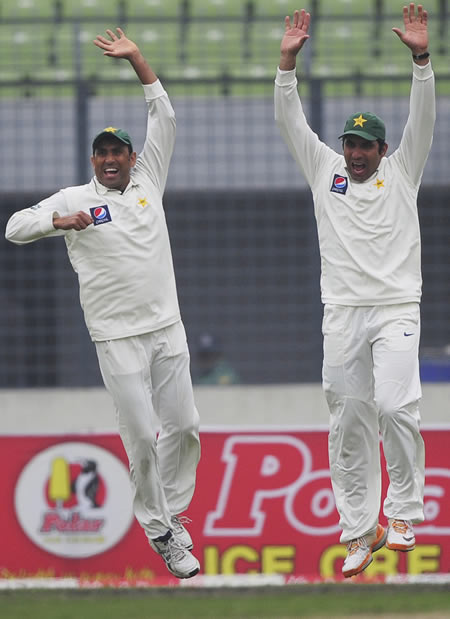 Younis Khan and Misbah-ul-Haq are delighted after the fall of Nasir Hossain