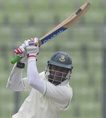 Shakib Al Hasan pushed on to 144