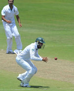 Hashim Amla gets ready to snap one at short leg