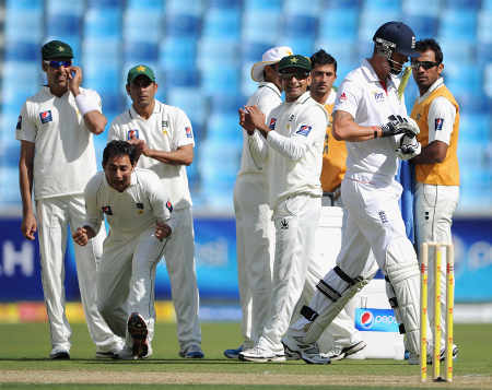 Pakistan celebrate as the lbw referral against Kevin Pietersen is upheld