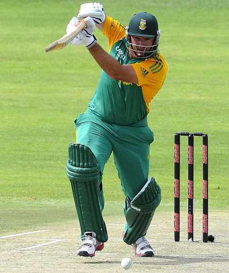 Graeme Smith drives during his half-century