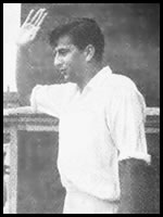Fazal Mahmood waves to fans at the Oval, 17 Aug 1954