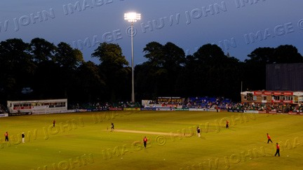 The lights shine out as Glamorgan press for victory