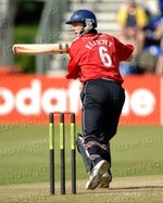 Matthew Elliott steers the ball to the boundary in his innings of 43