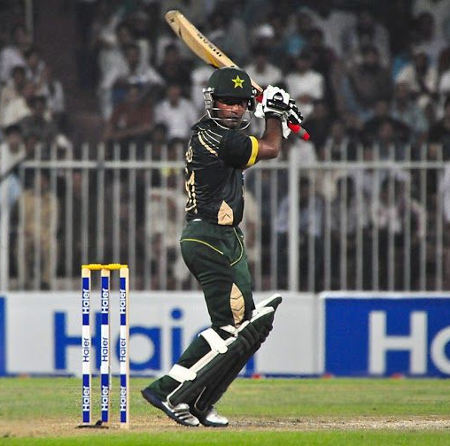Asad Shafiq steers one to third man