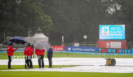Covers being brought on during the final
