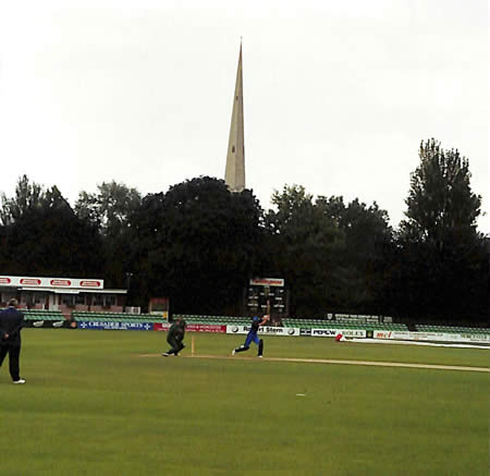 Action at Worcester during the 5th ODI - Photo 2