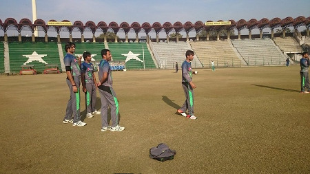 Mohammad Aamer gets ready to bowl during the training camp for the New Zealand series