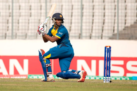 Avishka Fernando sweeps one to fine leg