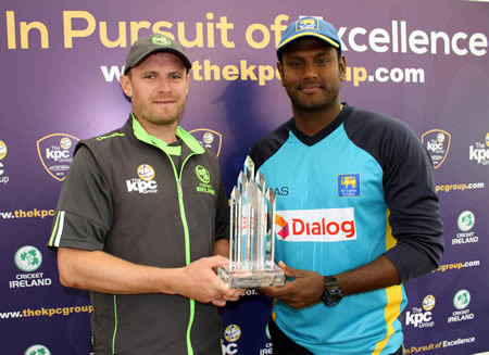 Ireland captain William Porterfield and Sri Lankan captain Angelo Matthews