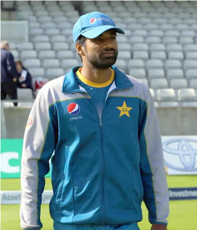 Rahat Ali ready to practice for 3rd Test