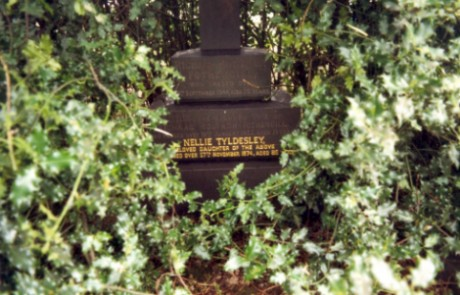 Last resting place of Ernest Tyldesley