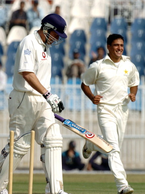 Yasir Arafat celebrates after bowling out Ashley Giles, 02 November 2005.
